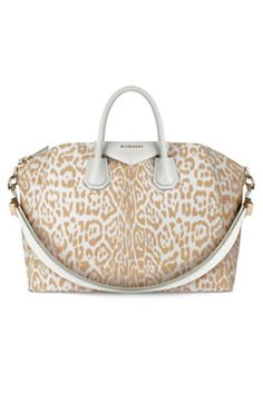 Farfetch - For the Love of Fashion. Summer PursesSummer BagsGivenchy ... bb09a7ea7ad68