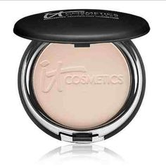 It Cosmetics Celebration Foundation Light/medium brand new never swatched it cosmetics celebration foundation powder in the shade light/medium Rich in peptides, hydrolyzed collagen and anti-aging technology, Celebration Foundation is a full coverage, anti-aging foundation that truly gives you the power to achieve flawless, airbrushed complexion perfection! It Cosmetics Makeup Face Powder
