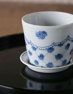 Kiki-gama (Izumi Nakamachi) flower cup Japanese Style, Blue And White, Ceramics, Dishes, Mugs, Flower, Tableware, Glass, Pretty