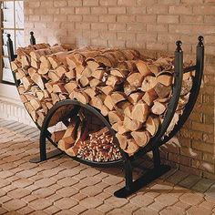 firewood storage and creative firewood rack ideas for indoor. Lots of great building tutorials and DIY-friendly inspirations! Firewood Holder, Firewood Storage, Wood Store, Wood Burner, Wood Projects, Logs, Storage Ideas, Storage Rack, Diy Storage