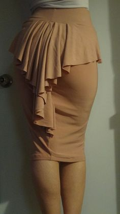 peplum ruffle pencil skirt by Andthenshewasfab on Etsy Skirt Outfits, Dress Skirt, Cute Outfits, Nude Skirt, Ruffle Skirt, Mode Style, Style Me, Mode Inspiration, Diy Clothes