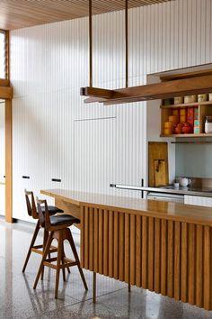 Mosman Project by Matt Elkan Architecture, a great rear addition kitchen to the original brick cottage . Mid Century Modern Kitchen, Home Decor Kitchen, House Interior, Kitchen Interior, Home Kitchens, Interior Architecture, Home, Luxury Home Decor, Home Decor