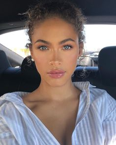 Beautiful everyday make-up look Welcome to my BLUE EYES Makeup Insp . - Beautiful everyday make-up look Welcome to my BLUE EYES Makeup Inspiration Boar … # - Power Of Makeup, Beauty Makeup, Hair Makeup, Hair Beauty, Clown Makeup, Brunette Beauty, Beauty Skin, Makeup Looks Everyday, Everyday Make Up