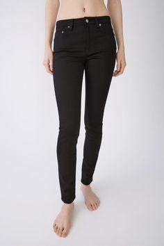 Acne Studios Blå Konst Climb Stay black are classic 5-pocket jeans with a  comfortable fb0395de754