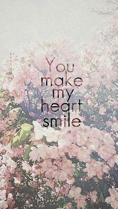 usted hace que mi corazón sonría♡