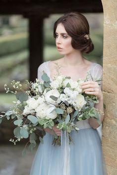 20+ Beautiful Dusty Blue Bouquet For Your Wedding Day - weddingtopia