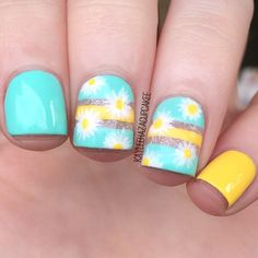 A really cute floral inspired yellow nail art design. The color combination focuses on light and baby colors to give that soft effect, the floral designs also add to the sweet and calming look of the design and the yellow shades provide a bright and sunn Summer Holiday Nails, Holiday Nail Art, Summer Nails, Christmas Nails, Best Nail Art Designs, Nail Designs Spring, Daisy Nails, Pink Nails, Yellow Nail Art