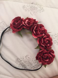 Coroa de Flores Vinho Halo Headband, Wedding Headband, Diy Tumblr, Floral Headpiece, Bendy And The Ink Machine, Diy Hair Accessories, Costume Makeup, Diy Hairstyles, Flower Crown