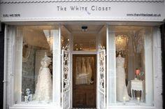 boutique white exterior - Buscar con Google