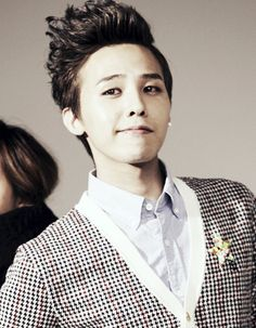 G-Dragon (Kwon Ji Yong ) After some thought I think this is what Sage looks like but with messy blue hair {Young and Reckless}