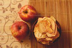 Chips de maçã no forno