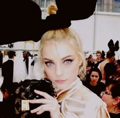 Jessica Stam; Oversized Bow/'Bunny Ears'