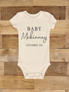 Baby Bodysuit, Announcement, Cute Babies, Boy Newborn, Due Date, 6 Months, Arrow, Baby Shower Gifts, White Shorts