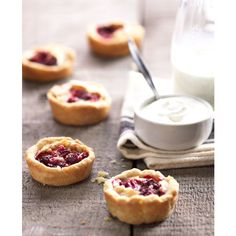 Delectable Recipe {Cranberry Tarts} ❤ liked on Polyvore featuring food, backgrounds, pictures, food and drink and photos