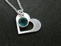 Srebrny naszyjnik- kontur serca i kamień swarovskiego- wybierz swój kolor <3 http://pl.dawanda.com/product/75267343-Srebrne-serduszko-z-kamieniem-swarovskiego
