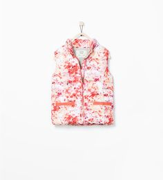 Image 1 of ROLL-UP HOODED VEST from Zara