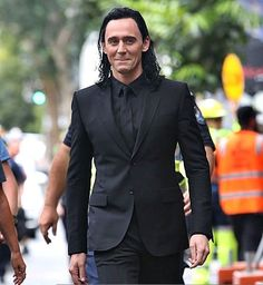 Tom Hiddleston Page (@Hiddles_Page) | Twitter
