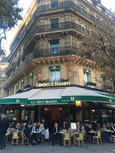 Les Deux Magots in Saint Germain #BrightLightsParis Book tour @LavieAnnRose