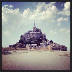 Le Mont-Saint-Michel v Le Mont-Saint-Michel, Basse-Normandie