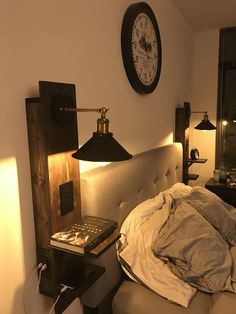 Diy nightstand - I built a pair of floating nightstands on my tiny balcony Home Bedroom, Bedroom Furniture, Diy Furniture, Bedroom Decor, Over Bed Lighting, Lighting Ideas Bedroom, Tiny Master Bedroom, Bedroom Night, Bedside Lighting