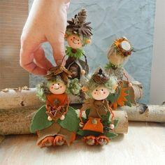 Podzimní skřítci pocházejí zkolekce Krasohrátky. Naprosto úchvatný design skřítků navrhuje Pavla Petrnoušková.