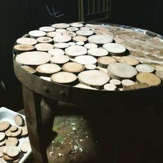 Tavolino con assi di botte riciclato