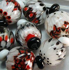 TRIZAS-ORIGINAL Handmade glass lampwork bead --  TOS0070 SRA #TRIZASOriginal #Lampwork