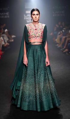 Bored of seeing the same old lehenga colors?Want to wear something completely out the box different? Check out these 2 New Lehenga Colours that are amazing. India Fashion Week, Lakme Fashion Week, Runway Fashion, Street Fashion, Tokyo Fashion, Gold Fashion, Indian Bridal Fashion, Indian Wedding Outfits, Indian Outfits