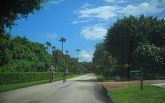FL: Jupiter Island two lane road makes a good bike route.  Stay at nearby Jonathon Dickinson State Park.