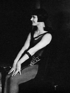 The Roaring Twenties // summers-in-hollywood:    Louise Brooks in A Girl...