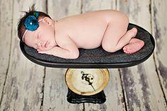 cute newborn picture ideas.