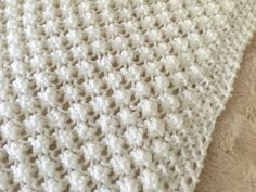 Easy Bobble Baby Blanket Knitting pattern by Daisy Gray Knits Free Baby Blanket Patterns, Easy Baby Blanket, Arm Knitting, Double Knitting, Christmas Knitting Patterns, Crochet Patterns, Pattern Leaf, Purl Stitch, Paintbox Yarn