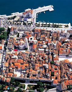 When, in the year 305, the Roman Emperor Diocletian, who ruled the entire world at that time, decided to build his leisure time abode, in which he intended to spend the rest of his life, he had no doubt where build to it. In the very heart of Dalmatia, in the bay of Aspalathos (Split), well protected from the sea by the islands of the Split archipelago, and defended on its landward side by high mountains, Diocletian created a special point on the map of the Adriatic: the future city of…