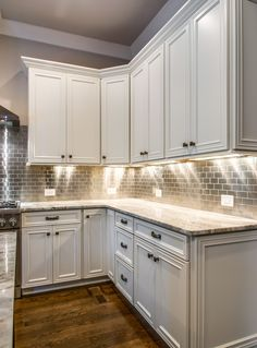 Uplifting Kitchen Remodeling Choosing Your New Kitchen Cabinets Ideas. Delightful Kitchen Remodeling Choosing Your New Kitchen Cabinets Ideas. Kitchen Cabinets And Backsplash, White Kitchen Cabinets, Kitchen Redo, Home Decor Kitchen, Kitchen Flooring, Home Kitchens, Backsplash Design, Kitchen Ideas, Countertops