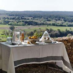 Spacious country garden with alfresco dining