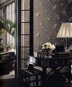 "Wallpaper ""Ashfield Floral Gunmetal"" by Ralph Lauren/ Glasdörren"