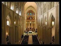 La Santa Iglesia Catedral de santa María la Real de la Almudena es la sede episcopal de la archidiócesis de Madrid, España. Se trata de un edificio de 102 metros de longitud y 69 de altura, construido durante los siglos XIX y XX en una mezcla de diferentes estilos: neoclásico en el exterior, neogótico en el interior y neorrománico en la cripta.