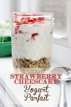 drool worthy Mason jar recipe blurs the line between breakfast and dessert! With fresh tart strawberries, smooth cream cheese, and yogurt you can feel free to call this a Mason jar breakfast or a Mason jar dessert… or you can just call it delicious! Mason Jar Desserts, Mason Jar Meals, Meals In A Jar, Mason Jar Food, Cheesecake Desserts, Mason Jar Breakfast, Breakfast Cake, Breakfast Recipes, Breakfast Cheesecake