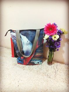 Totebag linen custom print with leather strap 1 bag 1/2 motif size 35 cm x 40 cm x 10 cm price IDR 200.000 cp: +62 81227800577