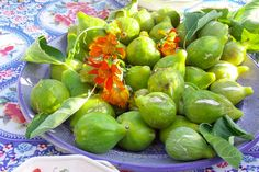 figs from my garden © linda dalal sawaya