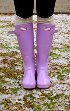 20 best ideas for purple hunter boats outfit winter style Hunter Boots Outfit, Wellies Rain Boots, Hunter Rain Boots, Winter Fashion Casual, Casual Winter Outfits, Outfit Winter, Winter Style, Lavender Outfit, Boating Outfit