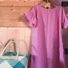 The product Abito tunica con maniche volant is sold by CascinaG in our Tictail store. Tictail lets you create a beautiful online store for free - tictail.com