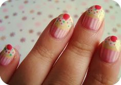 Cupcake nail art ! Miam ( via ladyj-in-lotus-pose.blogspot.com)