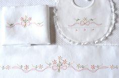 disegno per ricamare un lenzuolino per culla -carrozzina