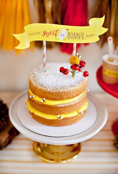 Winnie the Pooh inspired naked layer cake with sugar bees and free printable. I love this yellow cake! Winnie The Pooh Themes, Winnie The Pooh Cake, Winne The Pooh, Winnie The Pooh Birthday, Baby Birthday, Birthday Ideas, Birthday Cupcakes, Baby Shower Cakes, Baby Shower Parties
