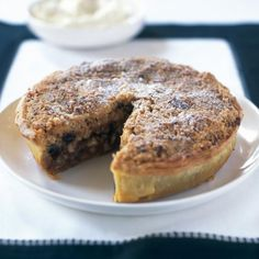 Mincemeat and Apple Crumble Flan with Almonds Mince Meat, Mince Pies, Xmas Food, Christmas Cooking, Wine Recipes, Dessert Recipes, Christmas Recipes, Cuban Recipes, Christmas Cakes