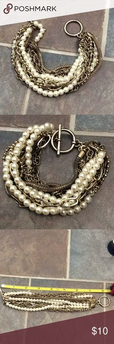 Mixed metal and faux pearl bracelet Good condition Jewelry Bracelets
