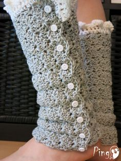 *This is a crochet pattern and not the finished item!* Leg warmers are great accessories for the cold winter nights :о) This pattern includes: -