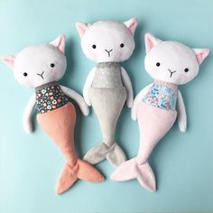 ★ This adorable plush mermaid cat doll is called a purrmaid and is handmade and designed by me. Shes made of very soft minky fabric andcotton and stuffed with an anti allergenic stuffing. Her eyes are safety eyes. She measures approximately 36cm (14 inch) ★ She loves to be played with