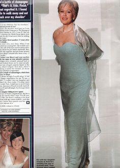 Kiri Te Kanawa Katherine Jenkins - Bing images Kiri Te Kanawa, Katherine Jenkins, Avril Lavigne, Bing Images, Opera, Formal Dresses, Style, Fashion, Moda
